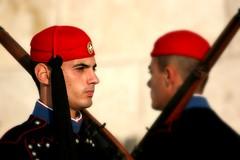 Evzones (olivier.ghettem) Tags: athens athènes greece grèce armée evzones evzone binome europe europedusud militaires militaire