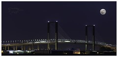 Puente V Centenario (Quirs Fotografa) Tags: puente sevilla luna panoramica anochecer arquitecture