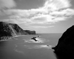 Durdle door (groovyjs86) Tags: durdle door mamiyarz67proii ilford fp4 65mm la
