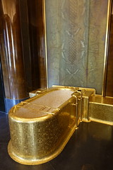 Gold bathtub @ Bathroom @ Chambre du Roi @ Quai dOrsay @ Ministry of Foreign Affairs @ Paris (*_*) Tags: paris france europe city sunday september 2016 summer cloudy journees du patrimoine quai dorsay diplomacy foreign affairs ministry ministere affaires etrangeres