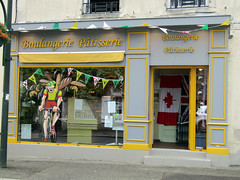 Grand Dpart, Sainte-Mre-glise 2016 (Dave_Johnson) Tags: saintemreglise saintemereeglise stemreglise normandie normandy granddpart granddepart tdf tourdefrance cycling cycle cyclerace bikerace cyclingrace boulangerie patisserie bakery bread france