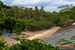 Haad Tian. Thailand (joseluis.cueto) Tags: naturaleza seascape beach nature canon landscape thailand island eos asia tailandia playa paisaje palmeras koh isla kophangan cabaas 6d jungla haad sudesteasitico fantasticnature 2470f4 canon6d haadtian golfodetailandia