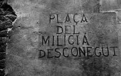 Placa del Milicia Desconegut, Square of the unknown militia man. (nick taz) Tags: barcelona militia spanishcivilwar spanishrepublic placadesantjoseporiol