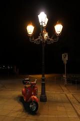 204/366 - Alone... (Sinuh Bravo Photography) Tags: canon eos7d potd2016 ayearinphotos nightshot candelabrum street wilmersdorderstr berlin