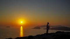 Santorini's saxnset (gidima) Tags: santorini susnset sun sole rosso red mare sea yellow vulacano giallo caldera sax sassofono musica magia esplora explore music blues soul heart holiday thinking