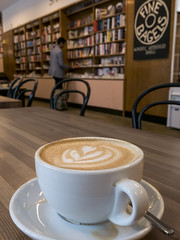 Coffee and books (Ludo_Jacobs) Tags: berlin bookshop book buch bcher coffee kaffee
