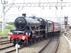 BR 45690 Leander @ Crewe (Sim0nTrains Photos) Tags: lms lmslocomotive 45690leander 5xp lmsjubilee steamlocomotive crewerailwaystation crewestation wcml westcoastmainline britishrailways br 5z93