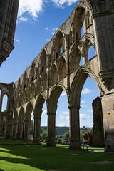Rievaulx Abbey (20160731_8) (Graham Dash) Tags: rievaulx northyorkshire yorkshire rievaulxabbey abbeys ruins englishheritage architecture gothicarchitecture cistercians cistercianabbeys