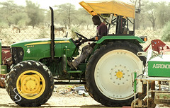 """Tractor 