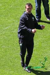 Ronny Roar (Graham`s pics) Tags: park cup sport scotland football stadium soccer competition trophy celtic champions parkhead 1888 celticfc celticpark celticfootballclub 4inarow spfl 18882015 127yearshistory gspiccies