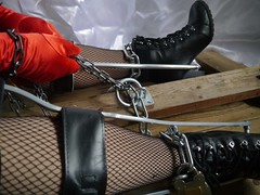 Chained too plus (JKiste2008) Tags: chains leg brace kafo caliper