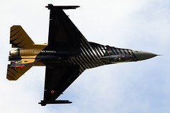 88-0032  Lockheed Martin F-16C (Jacek W) Tags: martin air royal international solo falcon fighting lockheed tatto turk fairford riat 2016 f16c 880032