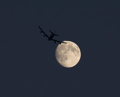 Waxing Gibbous Moon and Jet 17 July 2016 (Sculptor Lil) Tags: moon london astrophotography waxinggibbous airtraffic canon700d moonflyby dslrsingleexposure