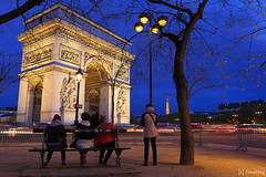 Arc de Triomphe (tomosang R32m) Tags: arcdetriomphe arcdetriomphedeltoile france paris    lavenuedeschampslyses  champslyses yakei night nightview