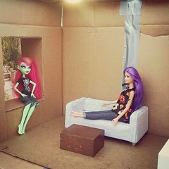 Starting on the foundation of my living room (AllthingsTiffany) Tags: diy barbie wip diorama cardboardbox boxroom dollroom roominabox monsterhigh