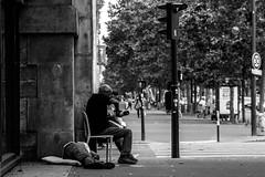 IMG_8727 (Lens a Lot) Tags: street white black paris monochrome field contrast vintage lens photography prime aperture noir bokeh 85mm 15 mount m42 1992 zenit manual russian et extrieur blanc depth f4 blades | jupiter9 2016 preset  2 lzos 9