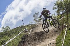 (Fabio Ghelfi) Tags: friends mountain nature bike race canon italia racing downhill l shooting 70200 champ abetone