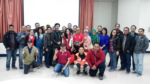 """Freeport Indonesia untuk training Karyawan Produktif itu Cerdas Finansial. Kali ini kelas di Tembagapura bersama dengan para Head Leader dari bagian masing2. • <a style=""""font-size:0.8em;"""" href=""""http://www.flickr.com/photos/41601386@N04/28477583596/"""" target=""""_blank"""">View on Flickr</a>"""