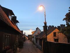 Houses at twilight, Korsgränd, Visby, Sweden (Paul McClure DC) Tags: visby sweden sverige gotland july2015 historic architecture
