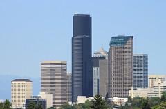 Seattle skyline from Mount Baker Ridge Viewpoint (SounderBruce) Tags: seattle skyline skyscrapers wellsfargocenter seattlemunicipaltower columbiacenter oneunionsquare henrymjacksonfederalbuilding mountbakerridge 1201thirdavenue mountbakerridgeviewpoint