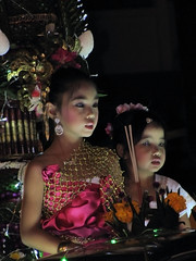 Loi Krathong (Lode Engelen - ) Tags: celebration princesses chiangrai loikrathong