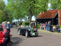 1949 MG TC (Davydutchy) Tags: auto holland classic netherlands car automobile tour rally may nederland cities voiture mg tc vehicle oldtimer eleven friesland rallye klassiker 2015 frysln sleat elfstedentocht vetern sloten automobiel