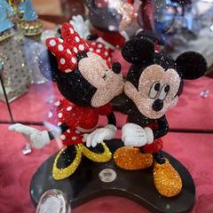 Disneyland Visit - 2016-07-17 - Main Street - Crystal Arts - Swarovski Mickey and Minnie (drj1828) Tags: us disneyland visit 2016 anaheim mainstreet crystalarts swarovski arribas mickeymouse