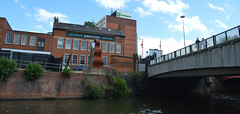 Looking up (lcfcian1) Tags: city bridge building water skyline buildings river hotel leicestershire leicester centre holidayinn waterway soar riversoar brucciani leicestercitycentre