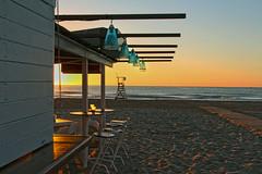 Arena sunrise (EDoughty ) Tags: beach copas sunrise beachfront playa valencia espaa platja club fun amanecer goldenhour horadorada arena oro flickr best gold colours friday