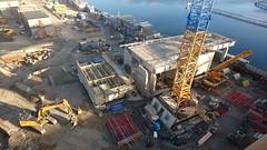 Brohuset (skumroffe) Tags: liljeholmskajen rstadalshamnen brohuset jm construction bygge baustelle liljeholmen rstadal stockholm sweden kranar cranes gruas grues byggarbetsplats rstabron