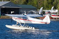 Private Piper PA-18 Super Cub N1755A (jbp274) Tags: greenville greenvilleseaplaneflyin mooseheadlake flyin airplanes seaplane floatplane 52b lake water piper pa18 supercub