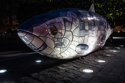 THE BIG FISH NEAR THE LAGAN WEIR IN BELFAST [BY JOHN KINDNESS] REF-104723