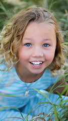 Bright eyes (Clever Poet) Tags: bright eyes blue sparkly eyed child young girl blond curls colorado family photoshoot