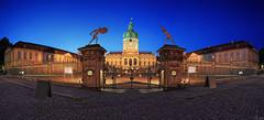 Schloss Charlottenburg - Berlin Panorama (FH | Photography) Tags: city panorama berlin castle deutschland eingang pano hauptstadt landmark stadt architektur portal bluehour sight zaun schloss charlottenburg geschichte historisch wahrzeichen blauestunde historicsite sehenswrdigkeit