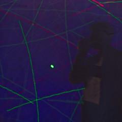 Shadow play (Jorge Tarlea) Tags: light luz lightray rayoflight rayodeluz lightpainting pintandoconluz sombra shadow silhouette silueta sombrachinesca shadowplay longexposure largaexposicin colores colours colors