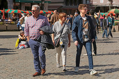 Grand Place - Bruxelles (Belgium) (Meteorry) Tags: family famille boy brussels madame people woman man male guy sunglasses europe belgium belgique grandplace candid femme young may belgi bruxelles twink sneakers trainers teen baskets adidas superstar brussel belges gamin grotemarkt homme 2016 meteorry skets