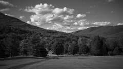 Peaceful Vermont (CTfoto2013) Tags: quiet usa paisible calme relax newengland clouds nuages route road dirtroad vermont manchester bw nb montagnes mountains paysage landscape foret sapins forest pins pines noiretblanc blancoynegro panasonic lumix gx7 micro43 mirrorlesscamera blackandwhite monochrome outdoor sky tree plant arbres trees fields champs serene serein peaceful greenmountains farm ferme fence barrieres light lumiere shadows ombres
