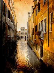 Venecia, Venice 006 (www.ignaciolinares.com) Tags: venecia venice venezia gondola canales sanmarcos feniche campanile ilduomo eldoge vaporetto veneto italia