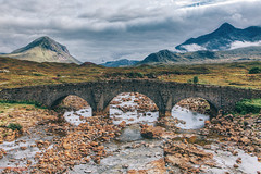 Old Bridge, Sligachan (Filippo Venturi) Tags: oldbridge sligachan isleofskye skye scotland bridge highlands daarklands
