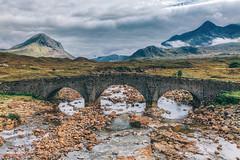 Old Bridge, Sligachan (Filippo Venturi) Tags: oldbridge sligachan isleofskye skye scotland bridge highlands daarklands
