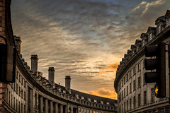 coucher de soleil a Piccadelly, Londres (charlottedlch) Tags: