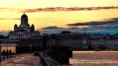 Helsinki y la catedral (Miradortigre) Tags: trip travel sunset church port finland puerto atardecer helsinki cathedral catedral iglesia finlandia marianomantel