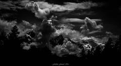 Au Pays du Clair-Obscur (Frdric Fossard) Tags: paysage montagne ciel nuage atmosphre dramatique clairobscur ombre lumire altitude glacier massifdumontblanc alpes hautesavoie aiguillesdechamonix aiguilledumidi dmedugoter montblanc chamonix