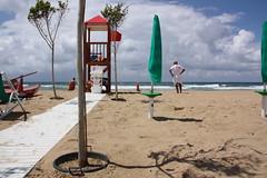 Waiting for the sun (Anna Trenning-Himmelsbach) Tags: plage beach trapani sicilia sicili
