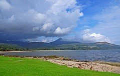 Sunshine & Showers Arran Style (Bricheno) Tags: arran island isleofarran scotlandinminiature clyde estuary firth firthofclyde bricheno goatfell mountain mountains sleepingwarrior beinnnuis beinntarsuinn cìrmhòr szkocja schottland scozia scoția scotland écosse escocia escòcia 蘇格蘭 स्कॉटलैंड σκωτία