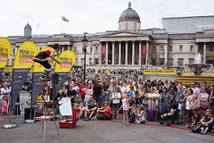 Spot the Ball (McTumshie) Tags: buskinlondon 20160724 categreat london londonist trafalgarsquare busk buskers juggler juggling performance prerformers england unitedkingdom