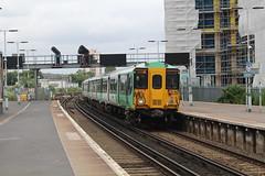 455837 (matty10120) Tags: train transport rail railway clas class 455 e east croydon
