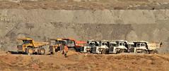 Volquetes (vic_206) Tags: camiones trucks volquetes mina mine perlini komatsu hitachi canoneos7d canon300f4liscanon14xii