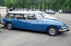 Citroen DS 20 break bleu (gueguette80 ... Définitivement non voyant) Tags: old cars id citroen ds mai autos amiens anciennes 2015 dsuper françaises dspecial lahotoie arpaa