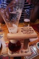 KWAK (elyes djazz) Tags: madrid voyage wood travel beer bar spring spain pub sony may belgian espagne kwak biere cerveseria cervesa belge iberico iberique